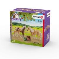 SCHLEICH Семья лошадей Хафлингер на лугу 72131